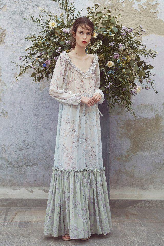 Luisa Beccaria  #VogueRussia #resort #springsummer2018 #LuisaBeccaria #VogueCollections