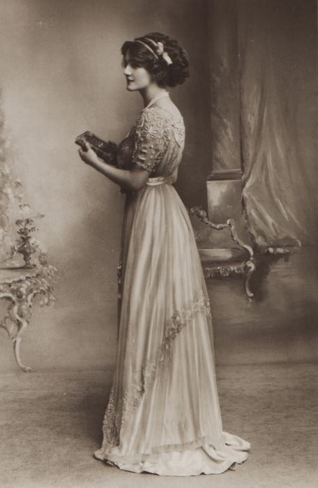 1000 Ideas About Edwardian Wedding Dresses On Pinterest Couture Looks Gowns And Edwardian Dress