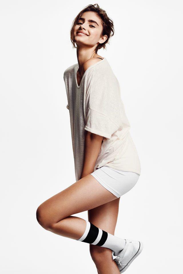 Basic comfort in a sweatshirt dress. H&M. #HMDIVIDED #polkipl
