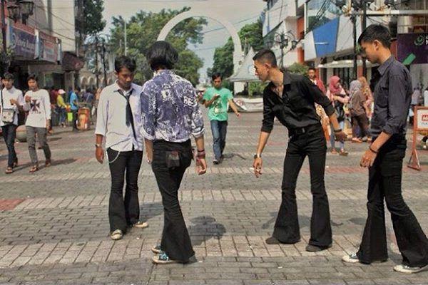 Perkembangan Fashion Pria di Indonesia dari Masa ke Masa