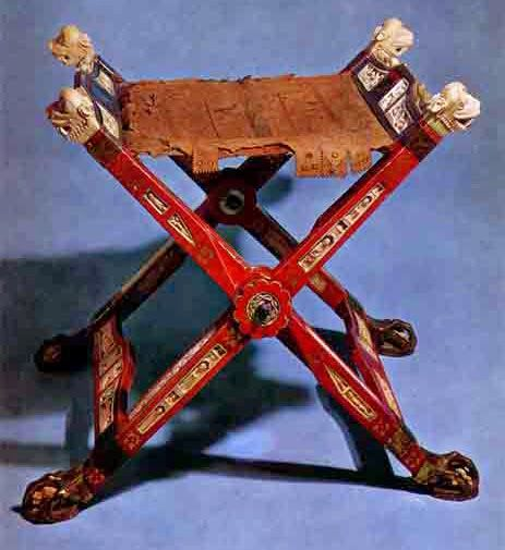 St. Thomas guild - medieval woodworking, furniture and other crafts: The leather seat of the sella curulis