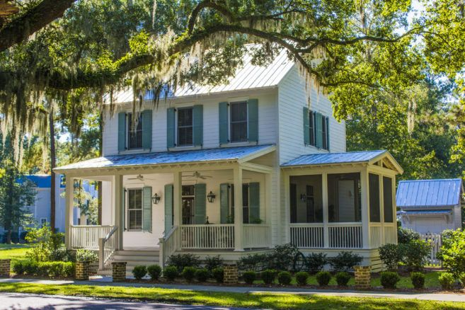 Moser Design Group Tnh Sc 30c 3 Bed 3 5 Bath 1 981 Sf Master Down In 2020 Simple Farmhouse Plans Southern House Plans New House Plans