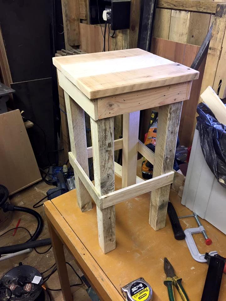 DIY Pallet Bar Stools   101 Pallet Ideas