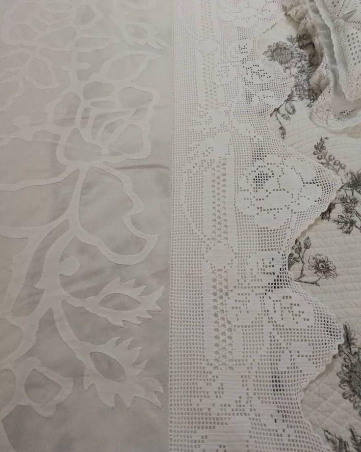 No sólo la Reina Victoria puede lucir sábanas bordadas y con encajes tejidos en crochet. Confeccionamos sus sábanas especiales para que usted lleve al hospital cuando nazca su bebé y pueda lucir como una reina. #crochet #bordadoamano #tejidos #hechoamano #hechoenpanama #panama #bebesconestilo #momlife #mama #pregnat #regalosoriginales #bellezas