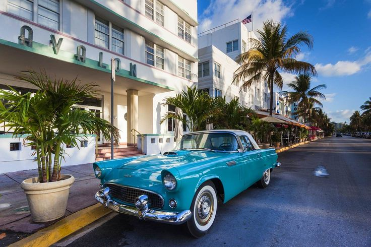 USA, Miami Beach, South Beach, Ocean Drive, Avalon Hotel and 1957 Thunderbird car