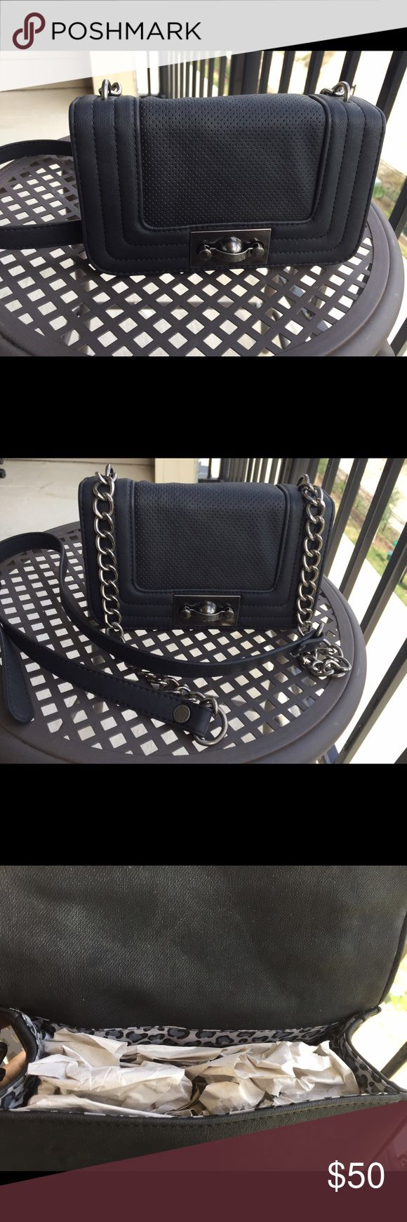 Steve Madden Purse Black and grey Steve Madden purse. Steve Madden Bags Shoulder Bags