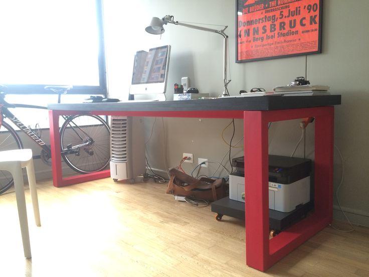 red mat desk