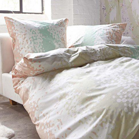 In sanften Farbtönen wie Weiß, Rosé, Türkis, Lila und Grau lässt es sich gut schlafen.