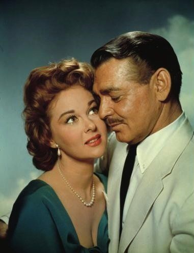 Still of Clark Gable and Susan Hayward in Soldier of Fortune