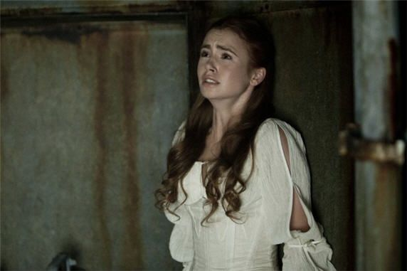 Lily Collins plays a priestess kidnapped by vampires in Priest