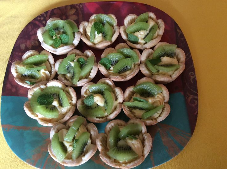 Mini tartas de frutas y crema pastelera