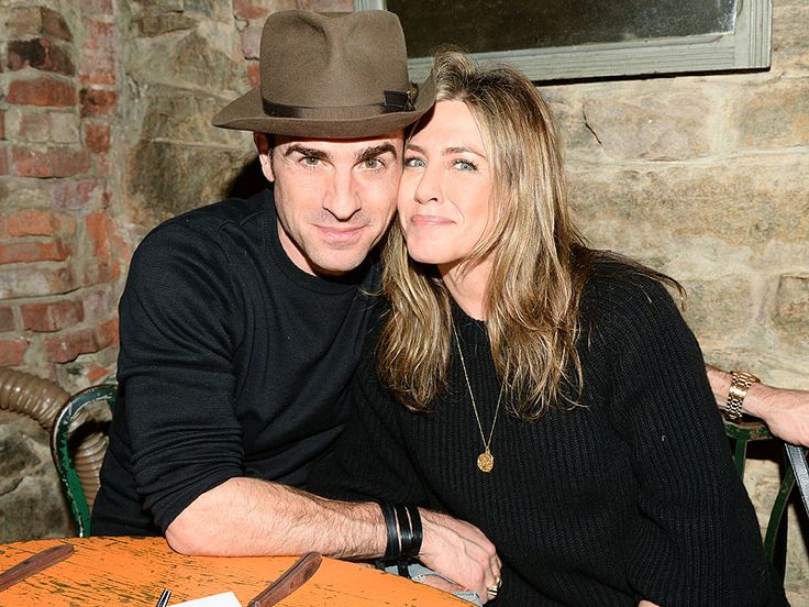 Jennifer Aniston and Justin Theroux Step Out for Date Night in N.Y.C. with Best Man Scott Campbell http://www.people.com/article/jennifer-aniston-justin-theroux-cozy-while-supporting-scott-campbell