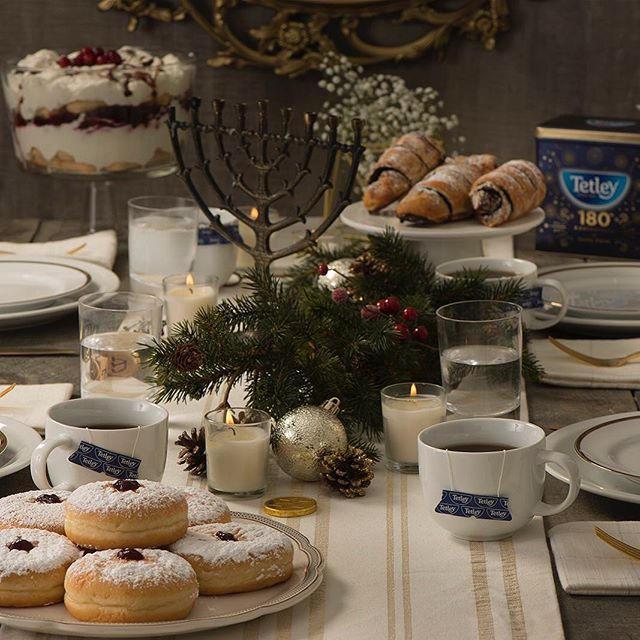 Celebrating the holidays every way we know how with a cuppa Tetley. ✨☕️ #tealove #teaforlife #keepittetley #tetleyforlife #teastagram #instatea #tealife #teaaddict #teaoftheday #tetleycanada #tetleytea #teatime #cupoftea #tea #teatip #cuppa #steepedtea #vscotea #momentsofmine #livethelittlethings #flashesofdelight #imsomartha #Christmakkah #holidays
