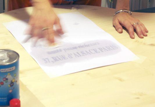 trasferimento sul legno di scritte