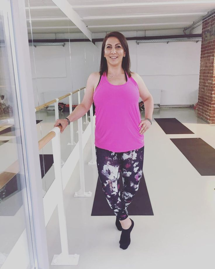 HAPPY ONE YEAR ANNIVERSARY AT YOUPILAour lovely client sibel @very_sibel #bestclients #happytohaveyou #proud #strongwomen #youpilacompany #barrelinas #fitfam #fitgirls #body #soul #goodvibes #passion #addicted #pilates #barre #nowordsneeded #badassballerins #blessed #thankful #contemporary #lifestyle #düsseldorf #urban #barreaddict #barrebabes #happyoupilagirl #fitmom #ballet @cza_cat