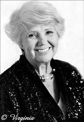 geboren am 16.11.1910 in Aussig, Böhmen  gestorben am 27.08.2002 in St. Johann in Tirol  beerdigt am Friedhof Kitzbühel    Jane Tilden war eine österreichische Kammerschauspielerin