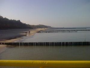 Jesienna plaża w Ustroniu Morskim