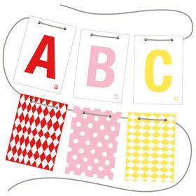 Häng upp hela alfabetet i barnrummet. Produkter från Littlephant hittar du hos www.barabokstaver.se