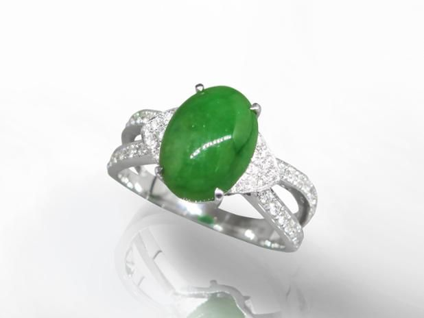 June 2016 #Auction Results: #Burma #Jadeite Ring Sold for $3,600. Subscribe to Win Prizes at www.federalauction.ca/subscribe #jewellery #jewelry #diamonds #rolex #giacertified #gold #luxury #federalauctionservice #fascanada #Victoria #Vancouver #Calgary #Edmonton #Toronto