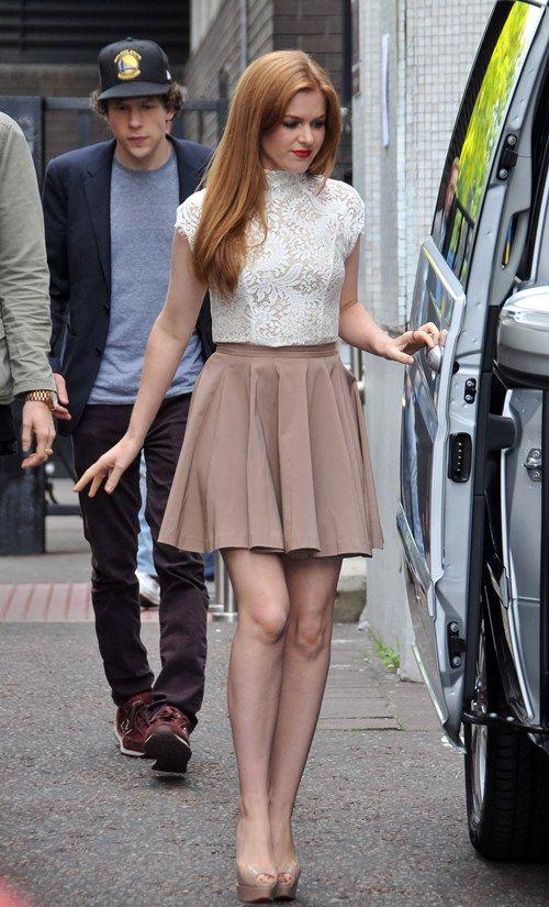 Isla Fisher Leggy in a Short Skirt