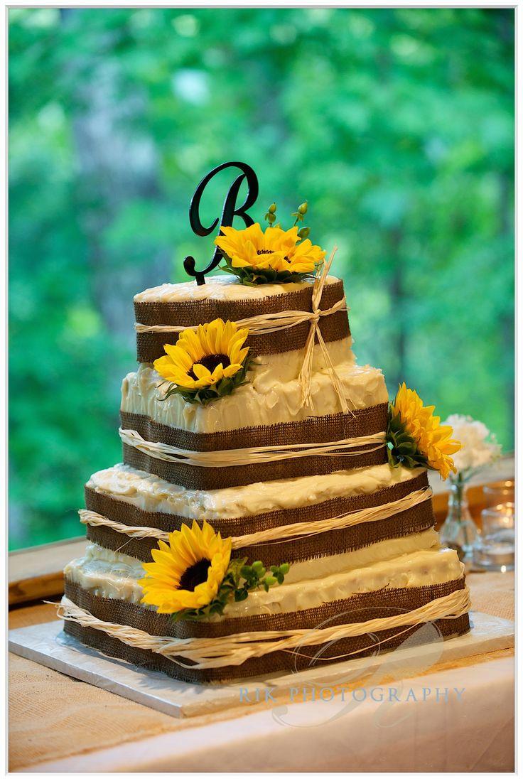 Wedding cake.  http://bluffmountaininn.com