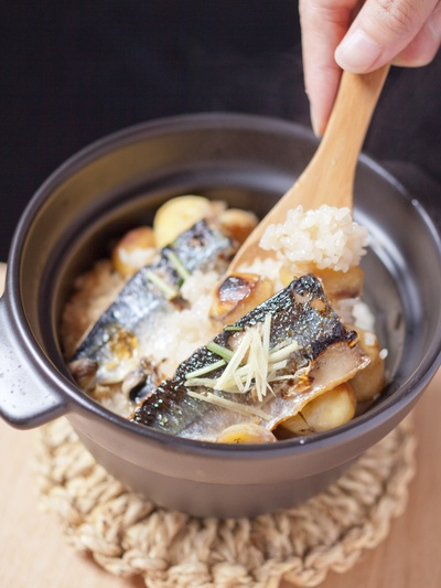 Takikomi Gohan, Japanese Soy Rice Paella with Roasted Chestnuts and Sanma Mackerel Pike, Cooked in Donabe Earthware Hot|焼き栗とサンマの土鍋御飯