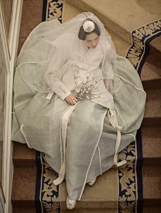 Korean costume, 한복, Hanbok. Looks amazing in wedding dress.