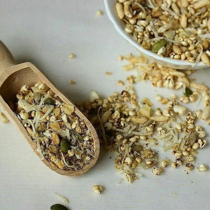 Low FODMAP Toasted Muesli. it's much safer to make your own than trying to dodge high FODMAP ingredients in store-bought mueslis. Recipe on blog. . . . . #lowFODMAP #lowFODMAPdiet #FODMAP #fodmapfriendly #wheatfree #dairyfree #lactosefree #fructosefriendly #lowfructose #muesli #guthealth #healthygut #IBS #digestiveheath #foodstagram #onthetable #noBSfood #nutrition #healthy #goodfood #nourish  #makeyourown #recipe #twitter #nutritionist #foodphotography #alessirritablelife