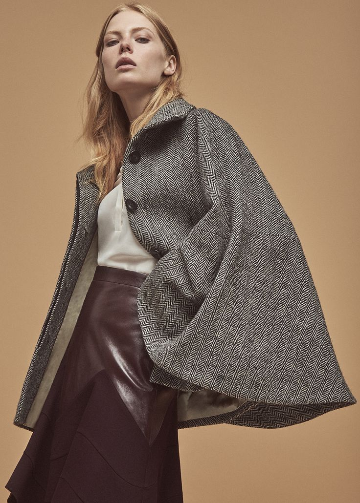 #swing #sands&hall #tweed #donegaltweed #taylorclassic #fashionforward #luxury #cape #heritage #womensfashion #autumnfashion #winterfashion #fashion #style