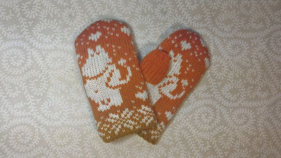 SALE: Exclusive hand-made children mittens with moomin by LanaNere