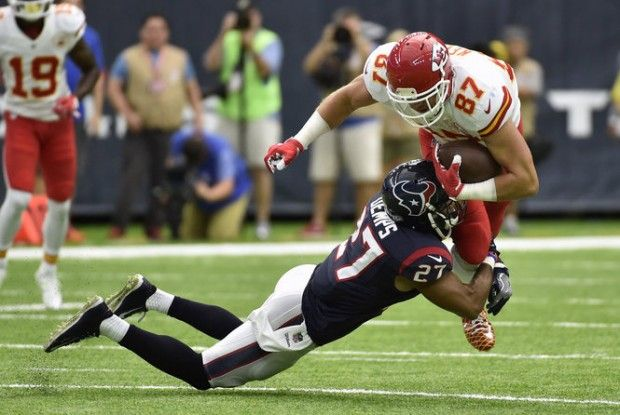 Twitter erupts over NFL catch rule in Chiefs-Texans game | NJ.com