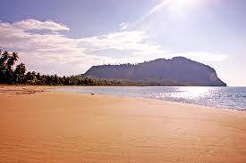 Wisata Menarik Pantai Tebung Serasan – Pulau serasan merupakan salah satu pulau di gugusan kabupaten Natuna, kepulauan Riau yang memiliki keindahan alam yang sangat mempesona. Pulau Serasan berlokasi lebih dekat dengan Kalimantan Barat ini mempunyai potensi wisata alam yang masih natural