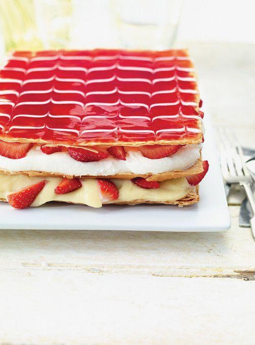 Millefeuille aux fraises Recettes | Ricardo #recette #fraise #millefeuille