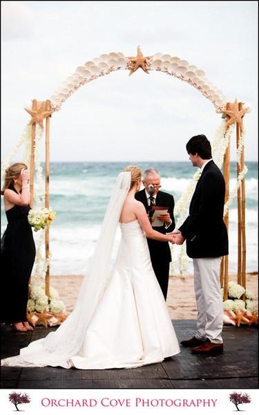 Beachside wedding, not a fan of beach weddings but this is adorbs