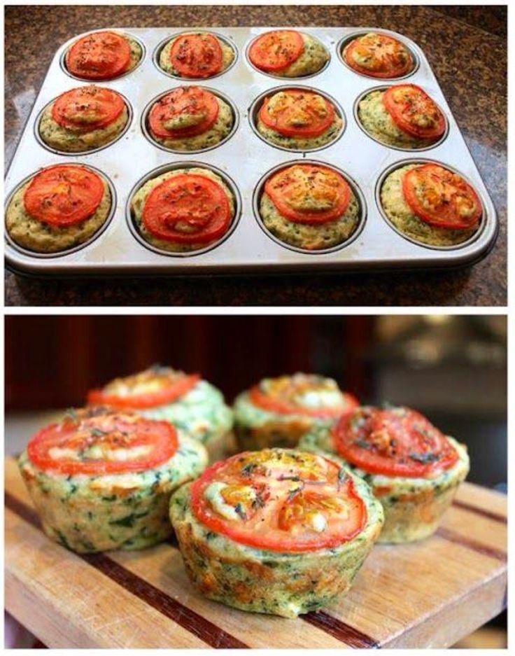 100 gr spinazie 75 gr Feta 100 gr Chedder 2 tomaten [12 plakjes] 250 gr meel 2 theelps bakpoeder 2 eieren 60 ml olijfolie 240 ml melk verse thijm, zeezout en peper Meel, bakpoeder, zout, chedder en thijm door elkaar roeren. Apart de olijfolie, eieren en spinazie door elkaar en dan de melk erbij. Alles door elkaar roeren en als laatste de Feta kruimels. Vul het beboterde muffinblik en tomatenschijf erop met wat thijm, zeezout en peper. Oven op 180 graden en 25-30 min. bakken.