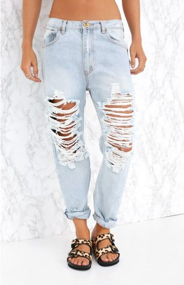 With a slouchy fit, cuffed ankles and distressed, ripped detail down the front, these babies are one bada$$ pair of jeans! We love the One Teaspoon Brando Super Baggies with a striped tee and slide sandals for that ultimate laid-back look!
