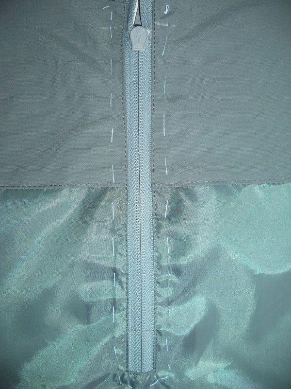 МК. Шью утепленный полукомбинезон. Мой полукомбез сшит из довольно плотной плащевой ткани – нейлон-таслан. Я шила его для годовалого подвижного мальчугана. Пожелание заказчицы: обыкновенный, самый о …