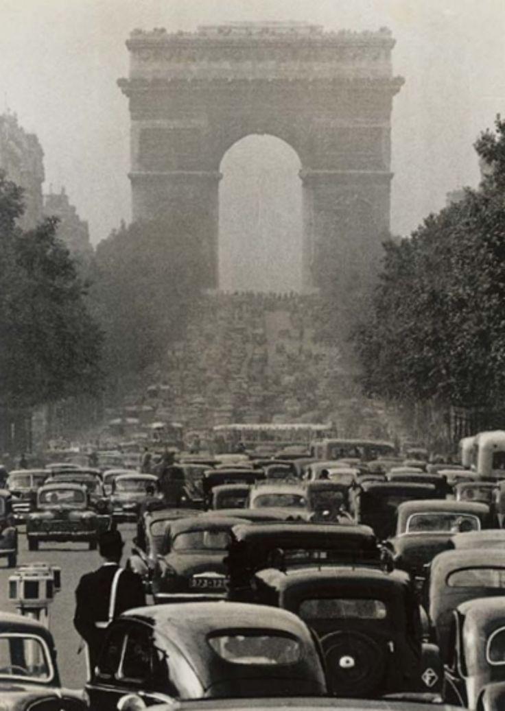 gueule-de-loupviolette: Robert Doisneau- Paris