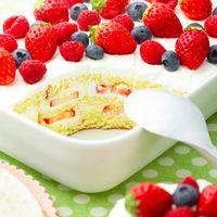 果物とクリームを重ねるだけ♪おしゃれなスコップケーキの作り方