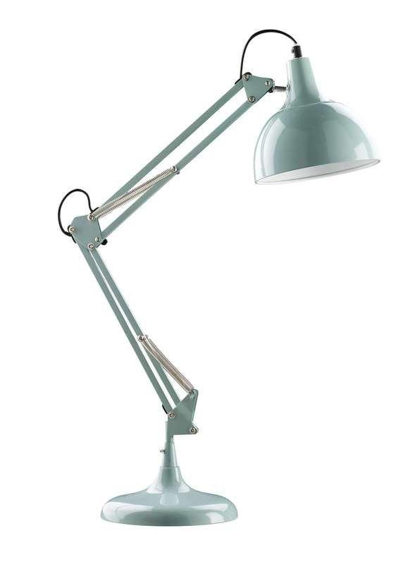 Mevrouw.Kockelkoren haar lokaal is niet genoeg verlicht , daarom had ze graag een bureaulamp gehad voor een beetje extra verlichting.