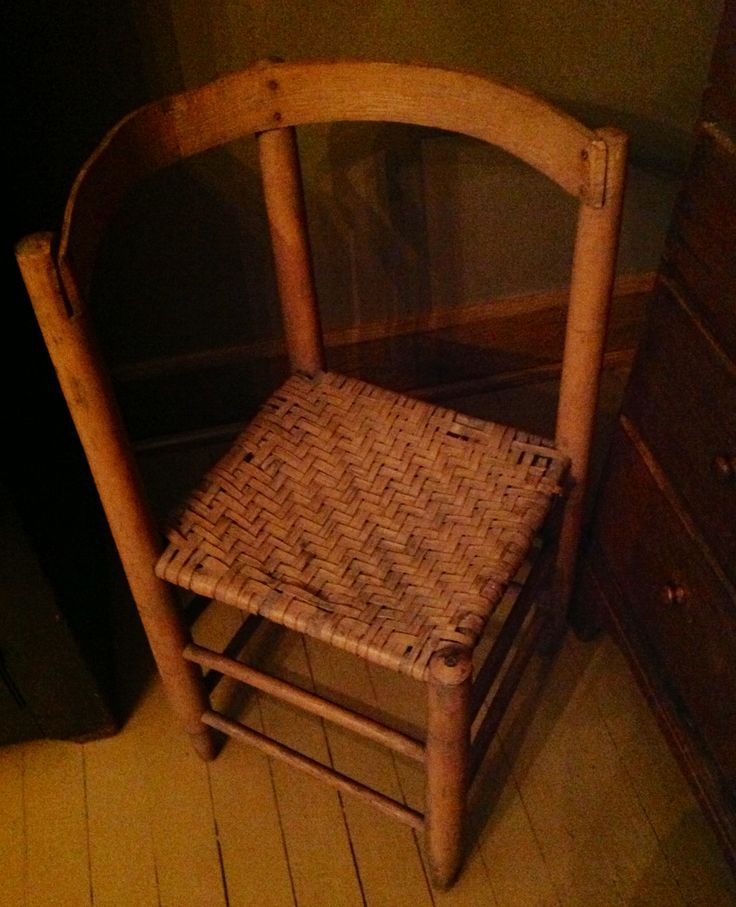 Country Corner Chair In Salmon Paint Around This Ole