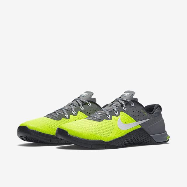 New Women's Nike Metcon 2.0. I need these❤ . Crossfit ShoesCrossfit ...