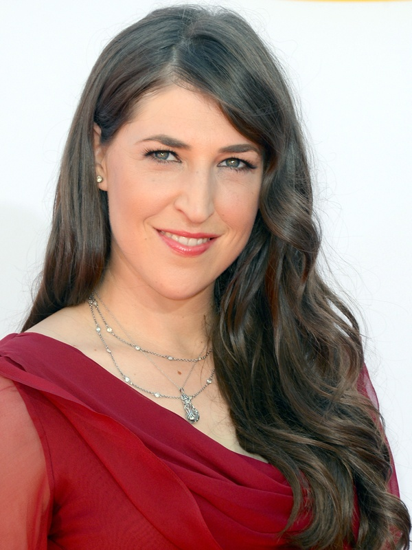 Emmys 2012: Mayim Bialik http://beautyeditor.ca/gallery/emmys-2012-red-carpet-beauty/mayim-bialik/