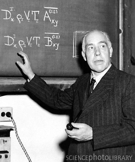 Niels Bohr.   Niels Bohr foi um físico dinamarquês que fez contribuições fundamentais para a compreensão da estrutura atômica e teoria quântica, pelo qual recebeu o Prêmio Nobel de Física em 1922. Wikipedia