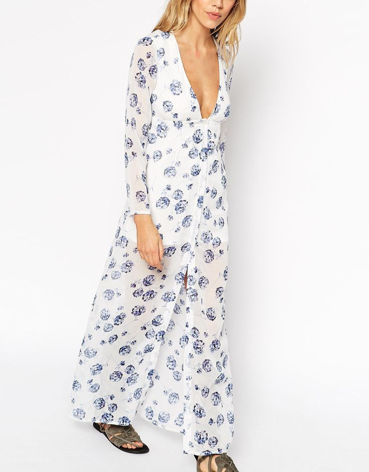 Immagine 3 diASOS PETITE Exclusive Maxi Dress with Button Front in Blue Floral Print