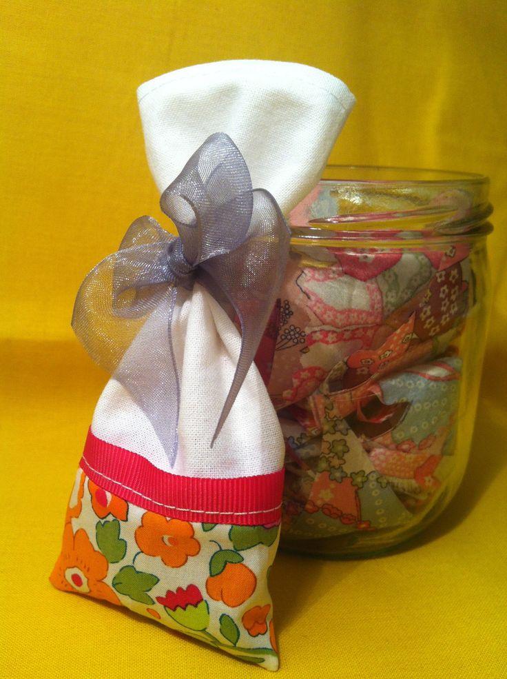 Sachet parfumé Liberty Betsy orange : Chambre d'enfant, de bébé par l-atelier-cousette