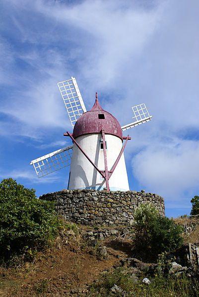 File:Manuel Gaspar, moinho típico, Santa Cruz da Graciosa, ilha Graciosa, Açores, Portugal.JPG