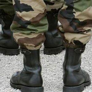 Quatre militaires camerounais ont été égorgés dans la nuit de mardi à mercredi dans le Sud-Ouest, en zone anglophone au Cameroun, a appris VOA Afrique de