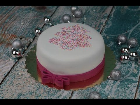 Orchideli – vanilla cake with christmastree, colorful sugar confetti