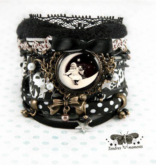 """Bracelet manchette °Baby moon"""" dentelle, laine, tissus, bronze, breloques, perles, noeud : Bracelet par tendres-moments"""